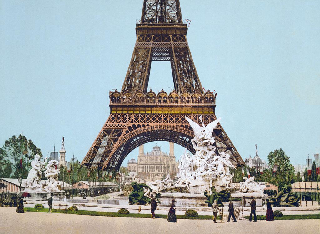 Eiffel_Tower_and_fountain_Exposition_Universal_1889_Paris_France.jpg